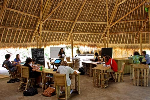 Green-School-building-in-Bali-interior-classrooms